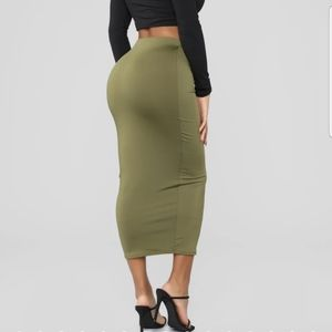 Fashion Nova Skirts - FASHION NOVA skirt